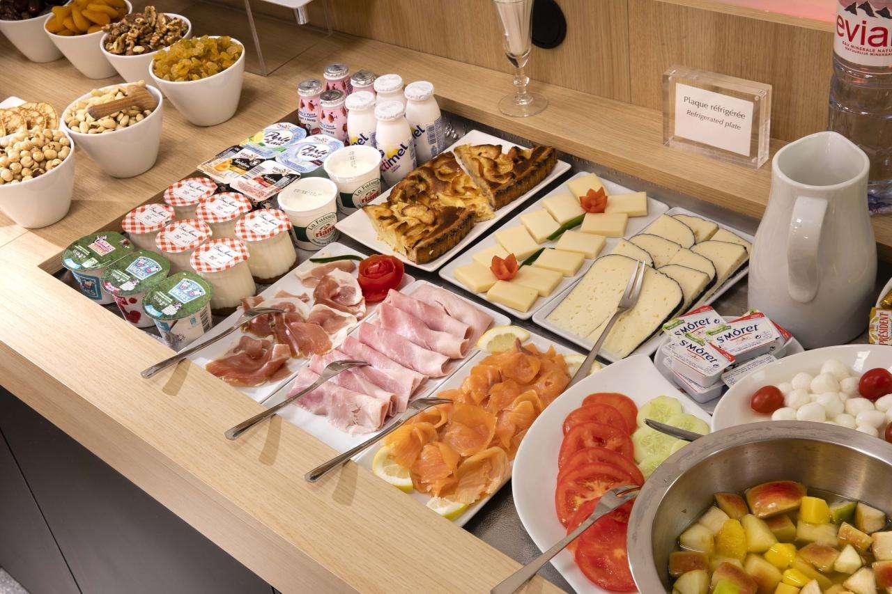 Hotel Hor Les Lumières - Breakfast